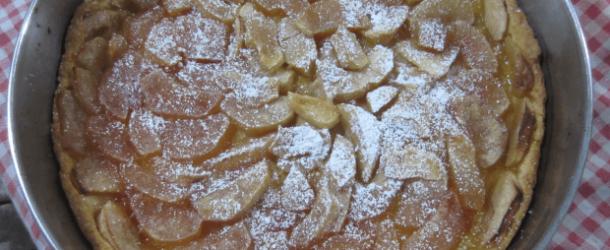 Torta di mele e marmellata d'albicocche
