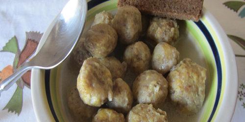 Polpette di pane in brodo