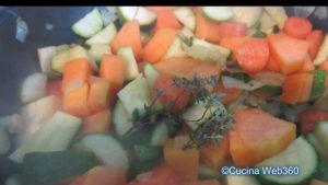 Farfalle speck, zucchine e zucca: Preparazione
