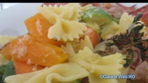 Pasta zucchine e speck con zucca: risultato finale