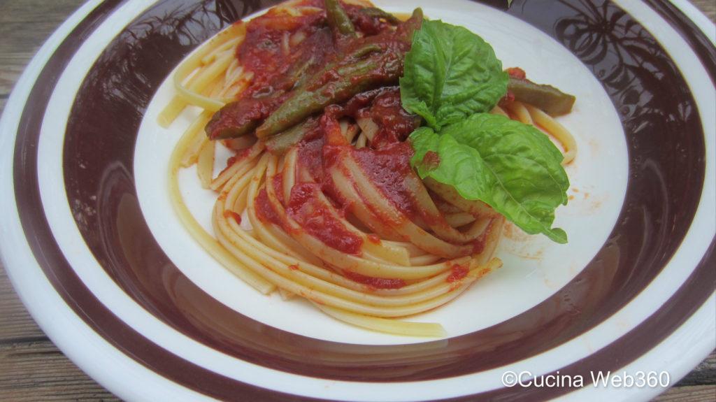 Linguine con friggitelli al pomodoro
