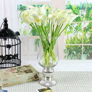 Esempio con vaso con fiori finti per un tocco in più alla tua tavola di Pasqua (foto: amazon.it)