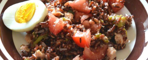 Insalata di riso rosso alla orientale