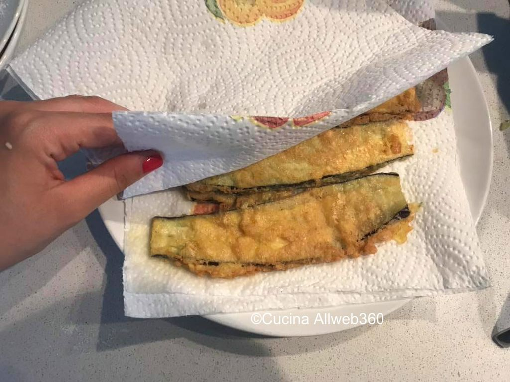 melanzane indorate e fritte ripiene