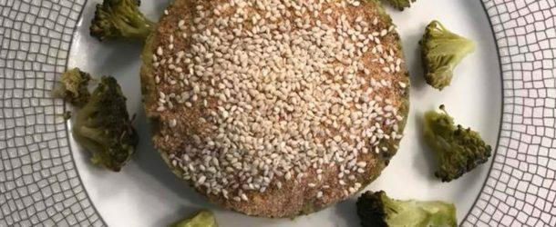 Tortino di quinoa con crema di broccoli