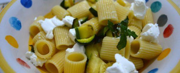 Pasta fredda zucchine e philadelphia