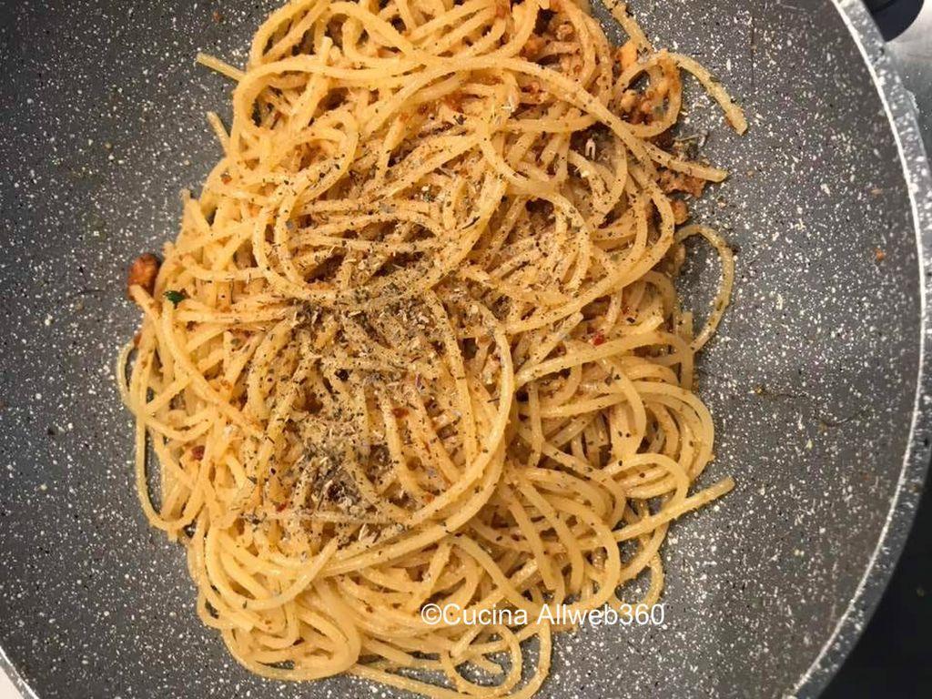 spaghetti con taralli