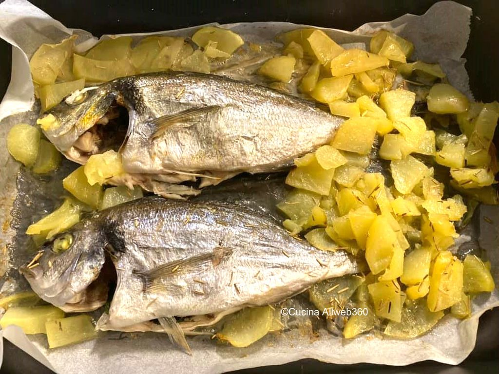 Ricetta Orata Sfiziosa.Orata Al Forno Con Patate Ricetta Di Pesce Per Un Secondo Piatto