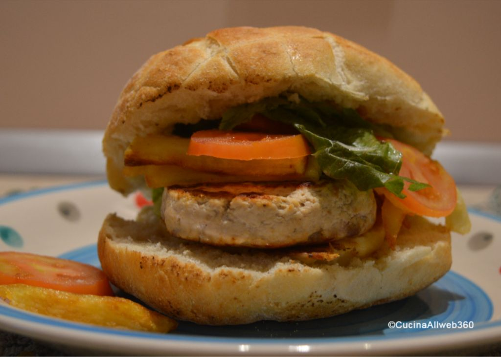 cucinare hamburger di pollo