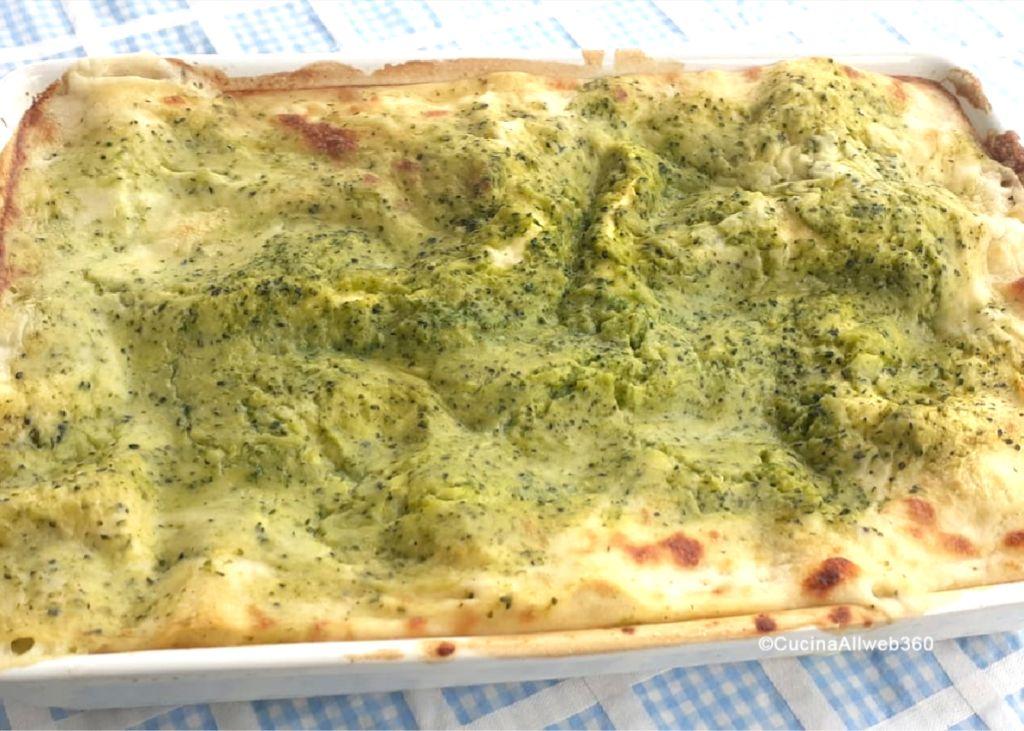 lasagne con i broccoli e salsiccia