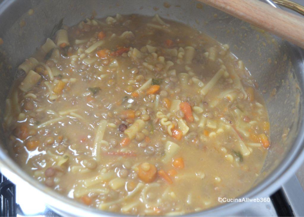 come si prepara pasta e lenticchie
