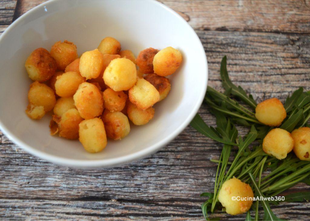 patatine rotonde al formaggio